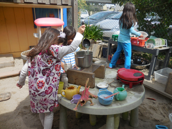 Mud Kitchen1