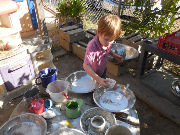 Mud Kitchen2